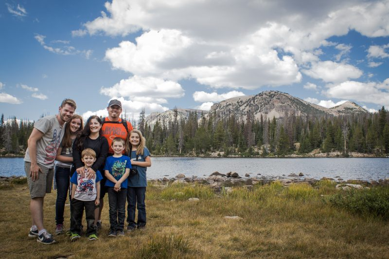 Familienfoto am Mirror Lake, UT